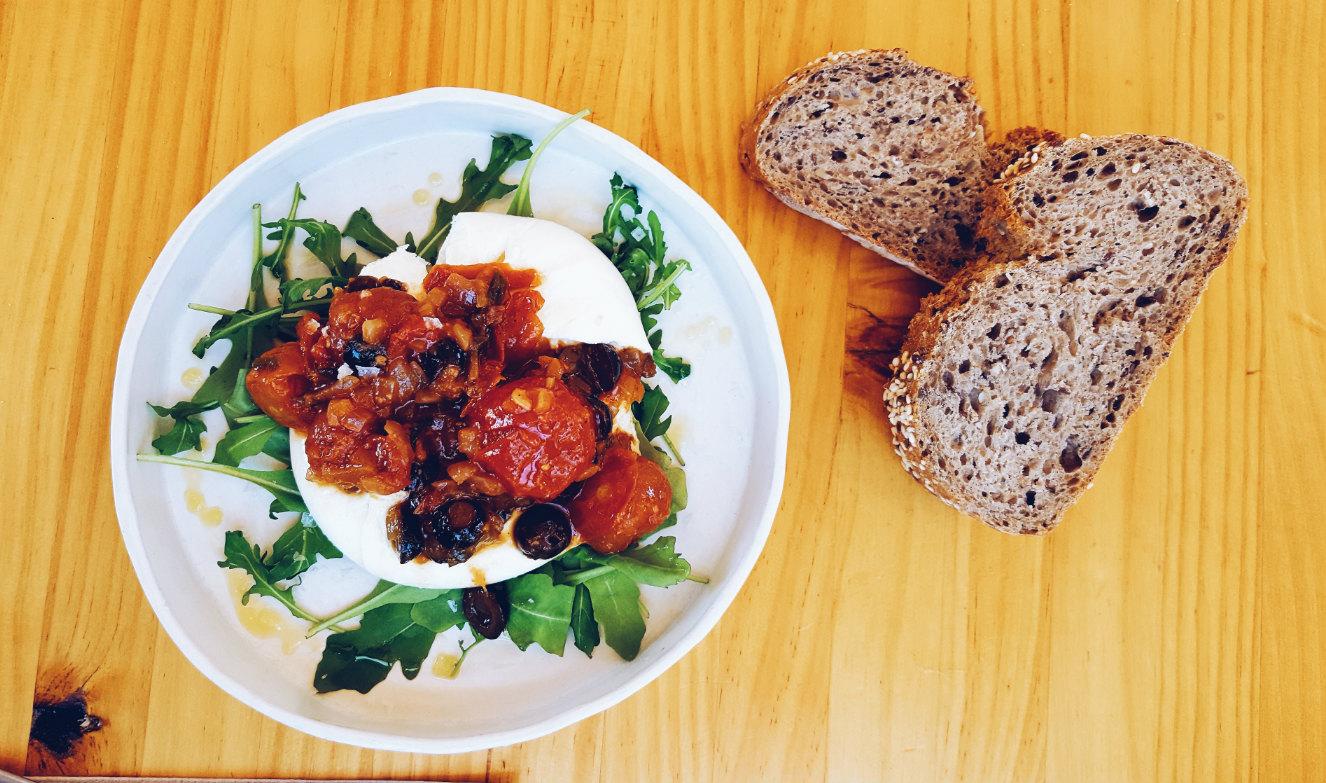 comida-saludable-tres-cantos-burrata-tomate-confitado