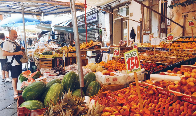 comer-en-napoles-mercado-tradicional