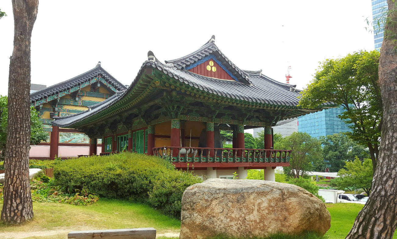 imprescindibles-de-seul-bongeunsa-temple