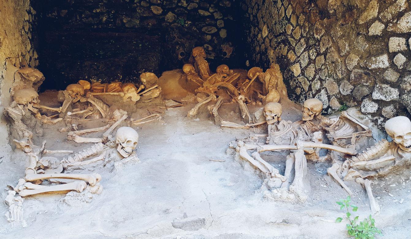 visitar-Herculano-restos-cadaveres