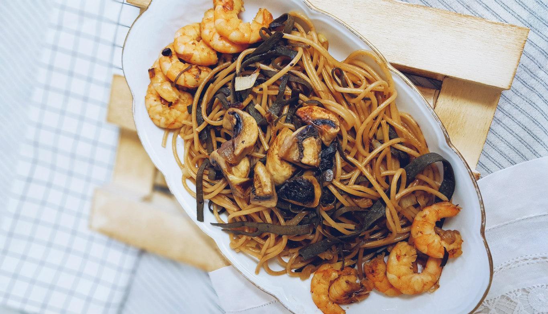 espagueti-de-mar-champiñones