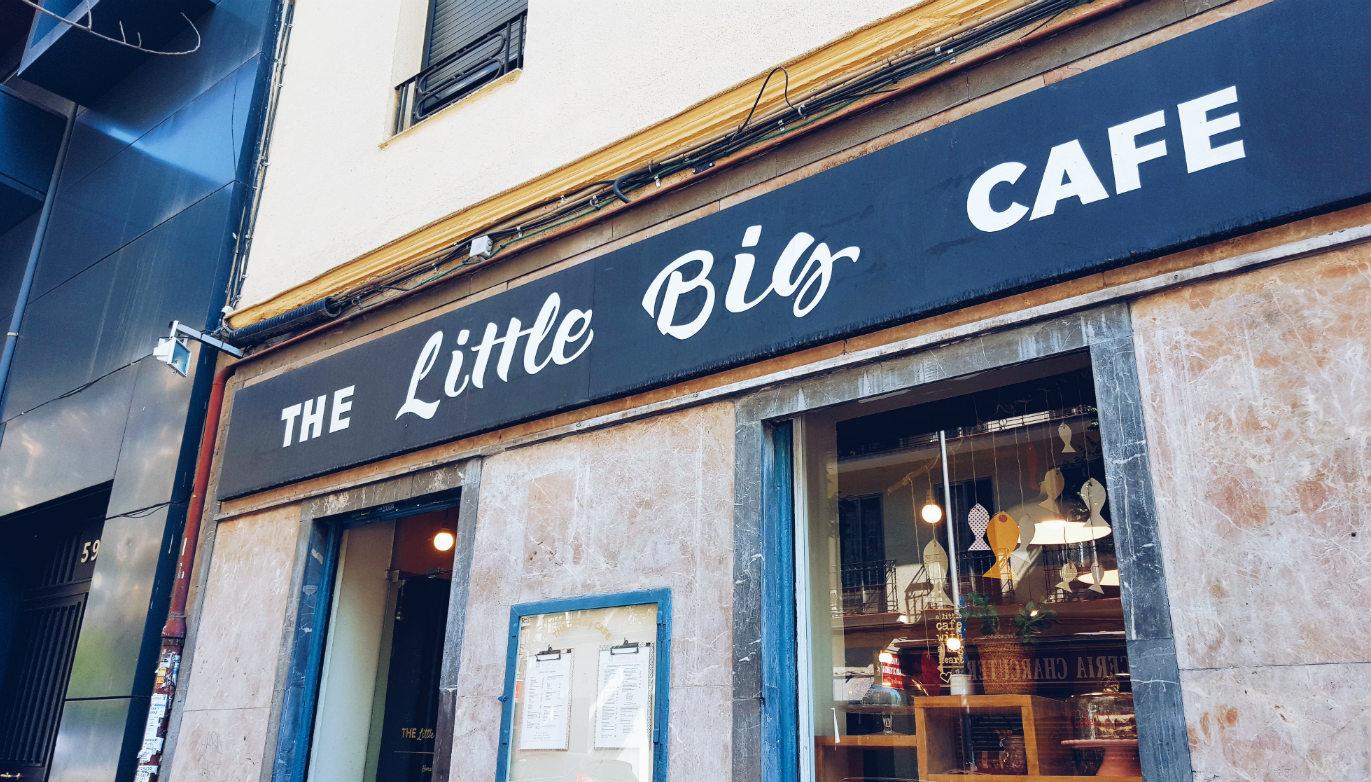 el-pequeño-gran-cafe-fachada