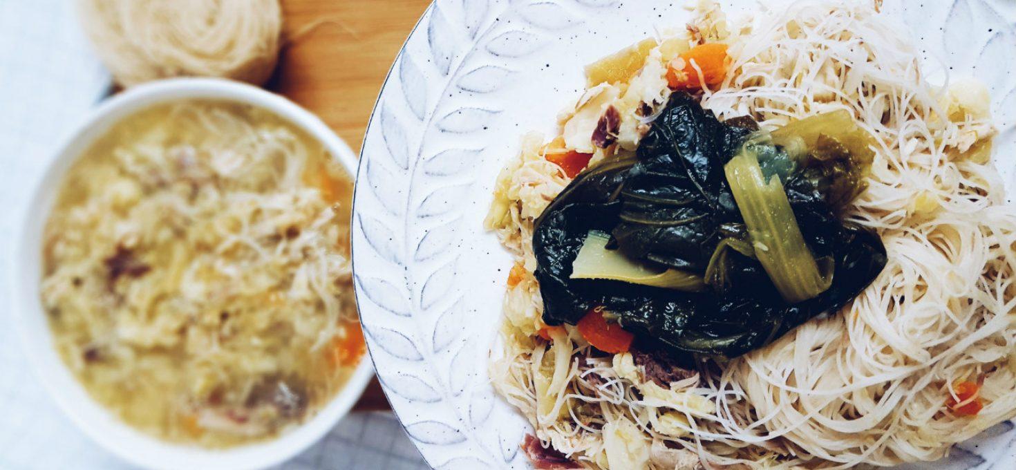 Fideos de arroz integral con caldo de verduras