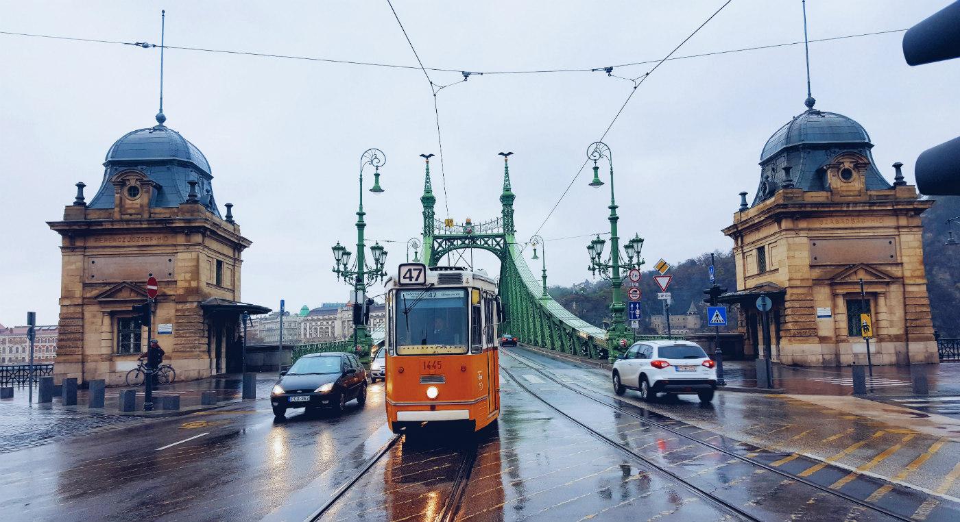 Puente de la LIbertas durante Budapest en tres días