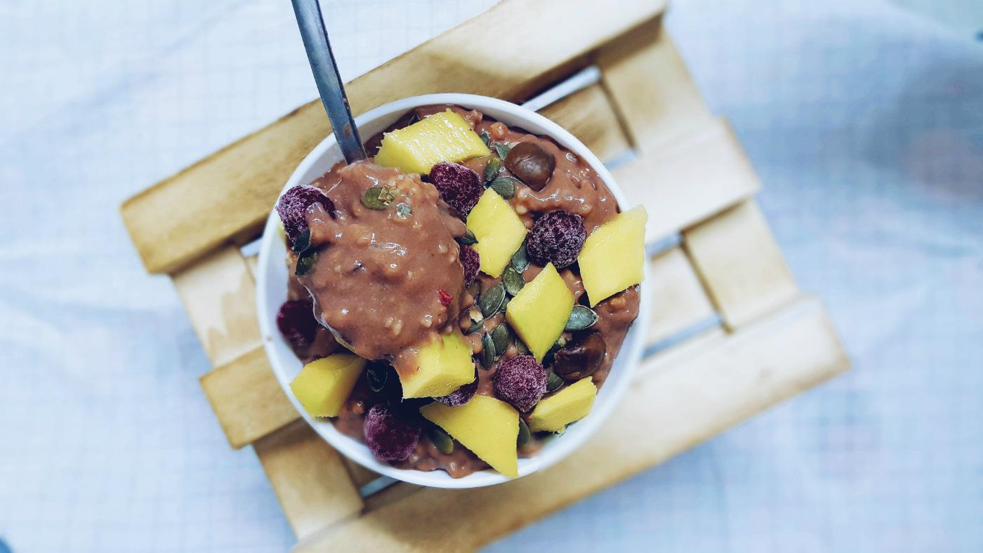 Qué como en un día desayuno saludable de porridge