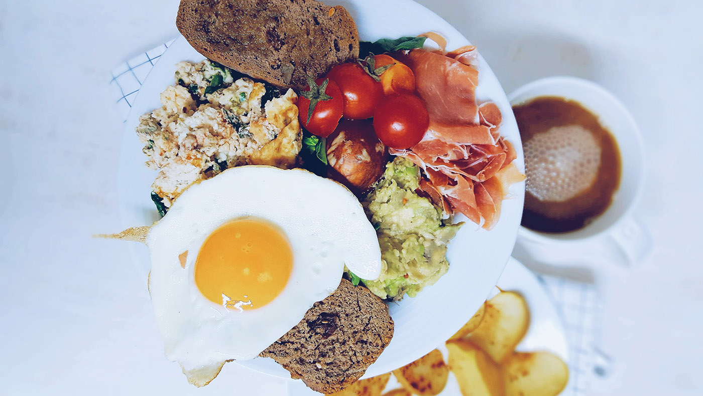 Por qué comer de todo sí es saludable con tostadas