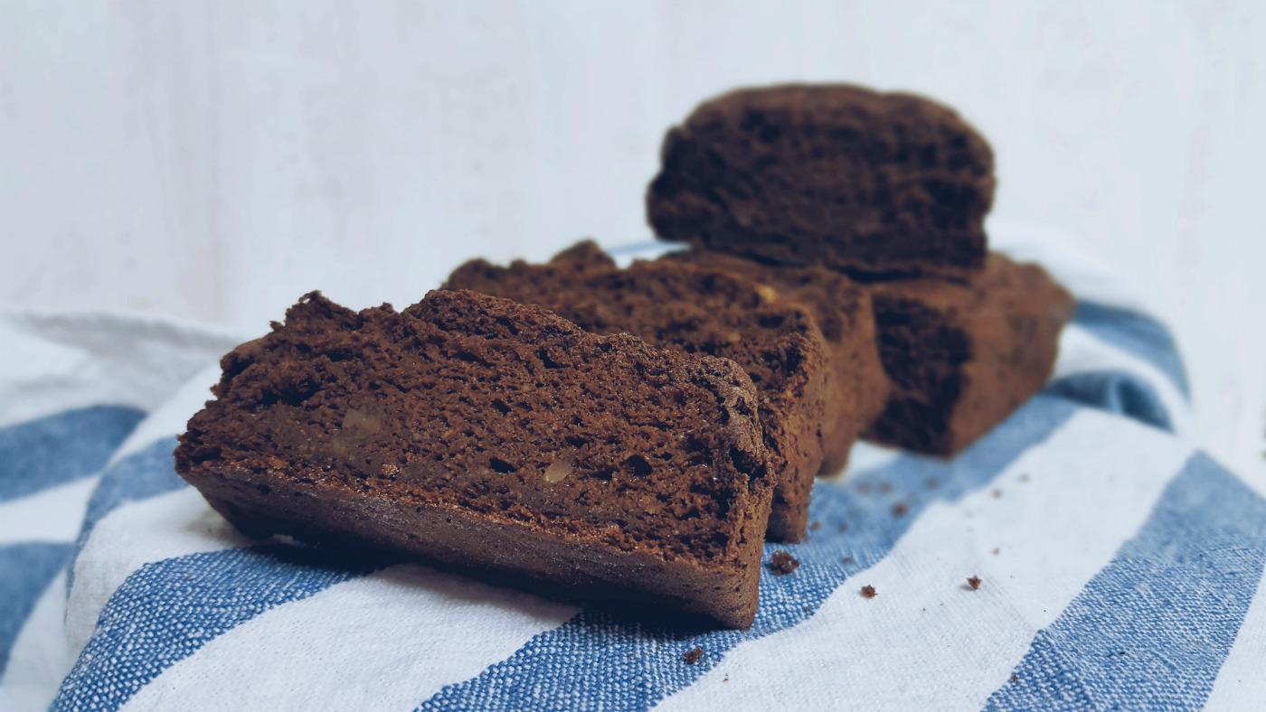 Sugarfree healthy carob cake