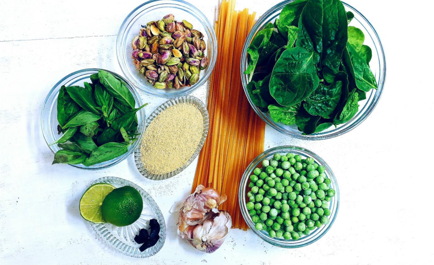 pesto de pistachos y albahaca