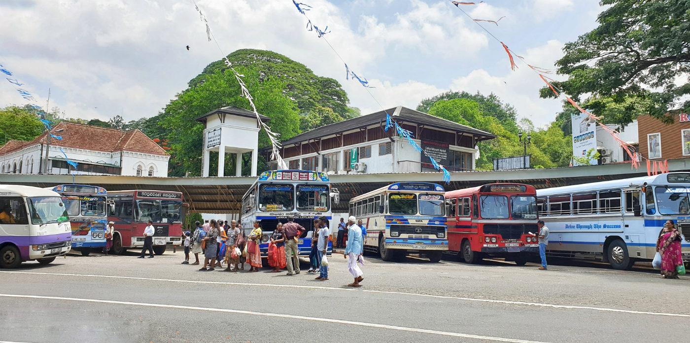 estación-de-autobuses-en-kandy