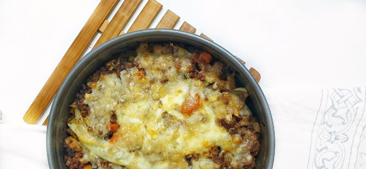 Pastel de carne en la airfryer con verduras y queso fundido
